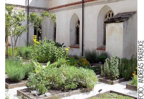 Die Rabenfrau: Kreuzgarten in Blaubeuren